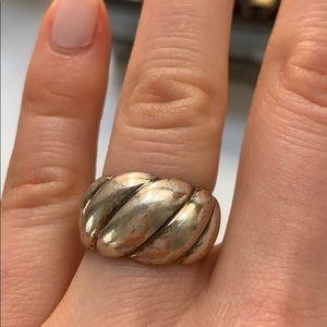 David Yurman Jewelry - David Yurman sculpted cable ring sz 6